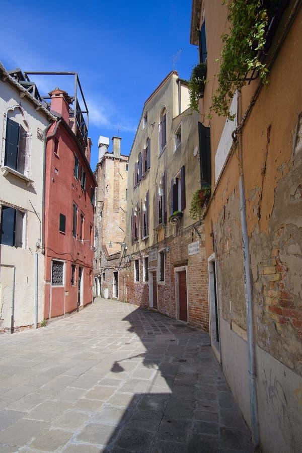bebott hus i Venedig royaltyfria bilder