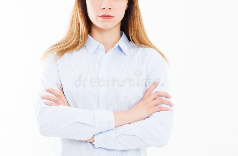 Bebouwd portret van bedrijfsvrouw met gekruiste wapens, meisje in overhemd Zekere jonge manager, team de bouwconcept, exemplaarru royalty-vrije stock afbeeldingen