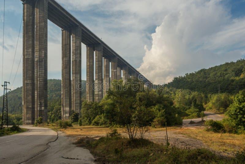Bebresh-Viadukt, Hemus-Autobahn, Bulgarien lizenzfreies stockfoto