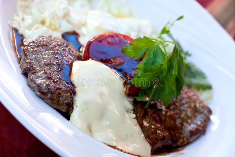 bec αλμυρά λαχανικά λουρίδων μπριζόλας κόντρων φιλέτο στοκ φωτογραφίες