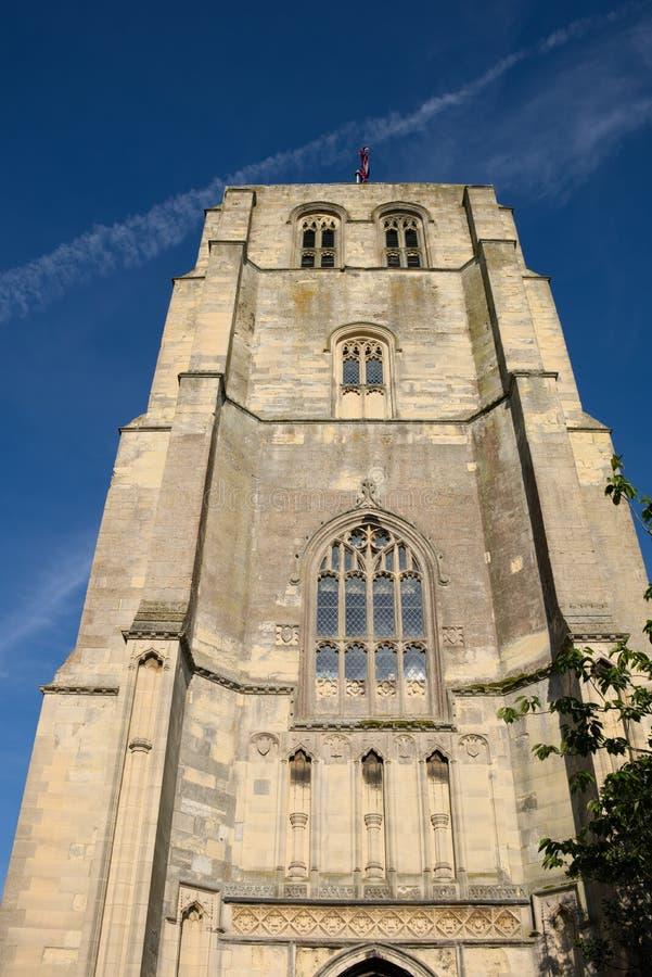 BECCLES SUFFOLK/UK - MAJ 23: Församling kyrkliga Klocka T för St Michael ` s arkivfoton