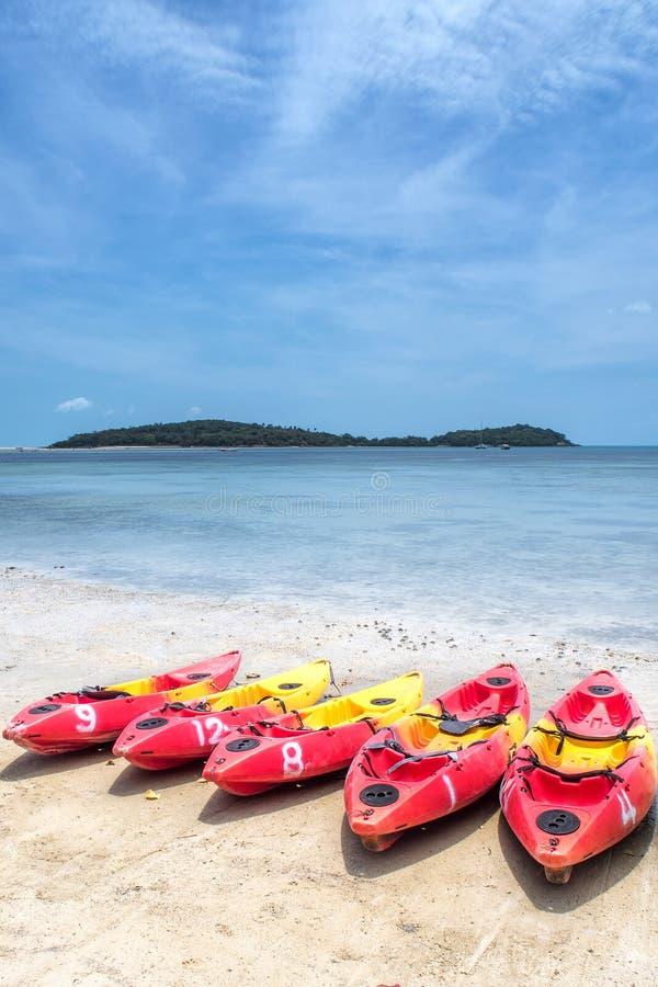Bech, feriado, férias, exteriores, verão, céu, mar, azul, céu, caiaque fotografia de stock royalty free
