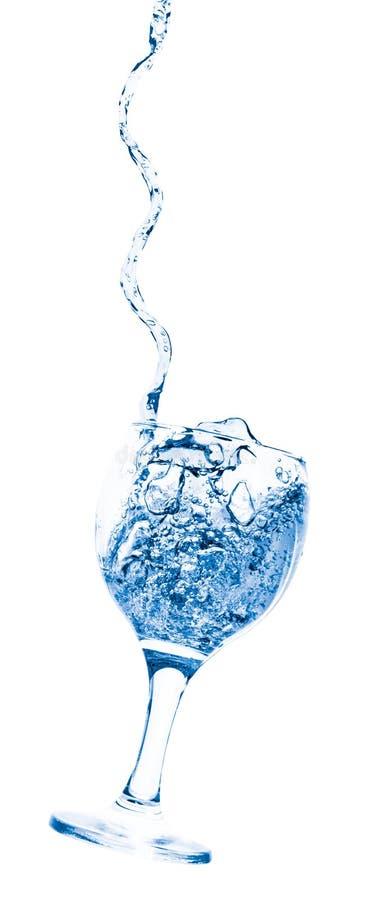 Becher mit Wasser stockbild