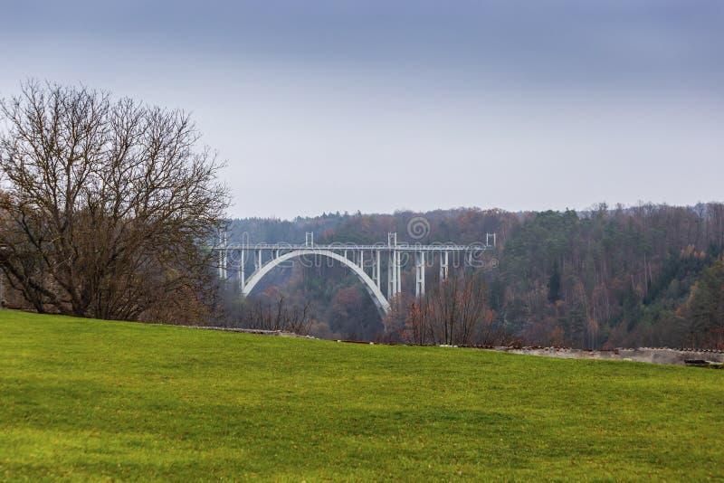 Bechynebrug over Luznice-rivier Tsjechische Republiek royalty-vrije stock afbeeldingen
