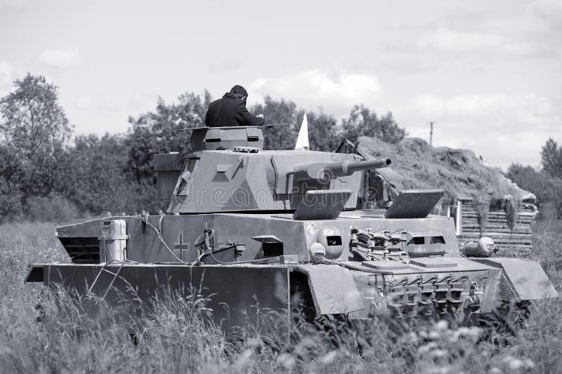 becken Deutsche milit?rische Ausr?stung vom zweiten Weltkrieg auf der Rekonstruktion des Schlachtfeldes, zum Victory Days zu feie lizenzfreies stockfoto
