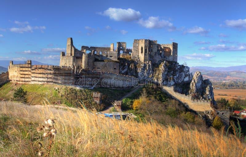 beckov城堡斯洛伐克 库存照片