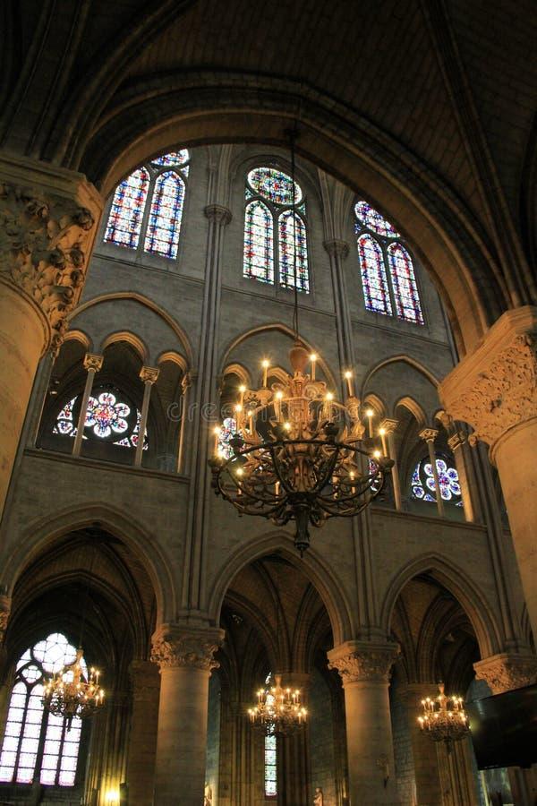 Bedöva inre arkitektur, Notre Dame, Paris, 2016 arkivfoton