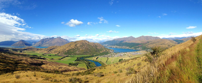 Bedöva landskap av Nya Zeeland royaltyfri foto