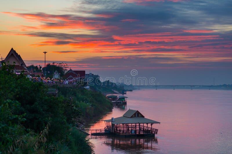 Bedöva landskap på Nong Khai, Thailand, fotografering för bildbyråer