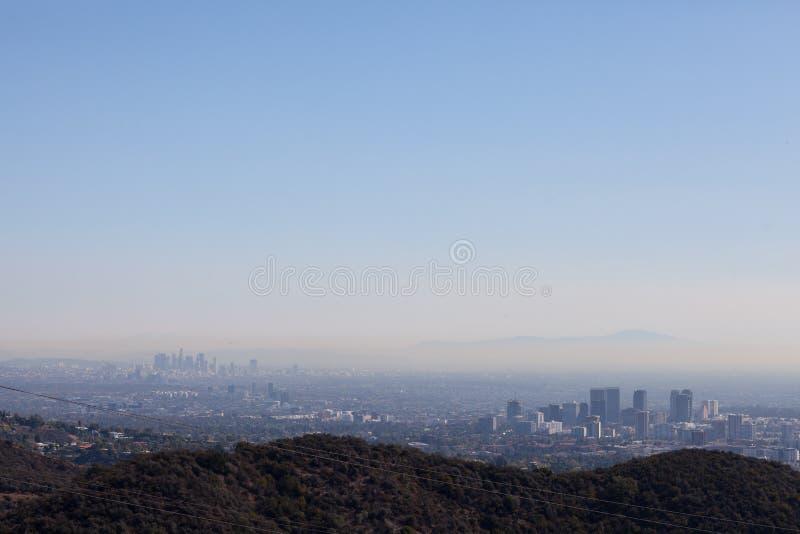 Bedöva panoramautsikt av Los Angeles från den Kenter slingan fotvandra i Brentwood Förbise Beverly Hills, Hollywood royaltyfria bilder