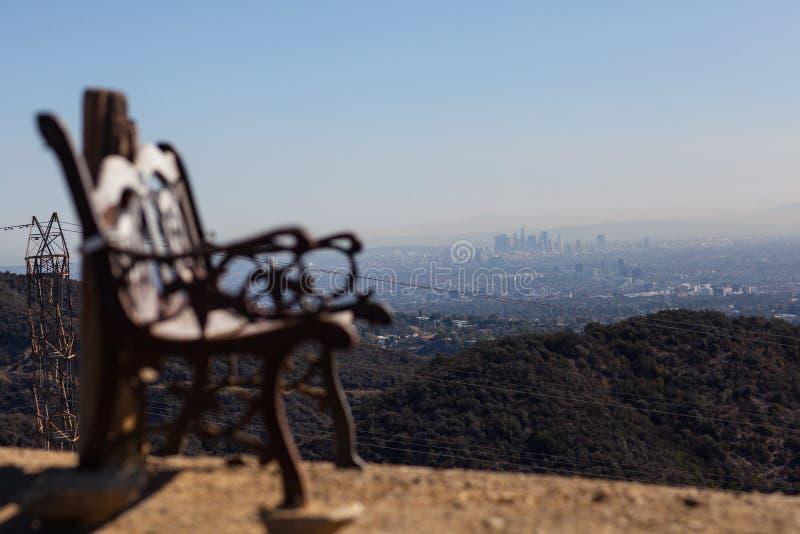 Bedöva panoramautsikt av västra Los Angeles från den Kenter slingan fotvandra i Brentwood Förbise Santa Monica, Beverly Hills royaltyfri foto