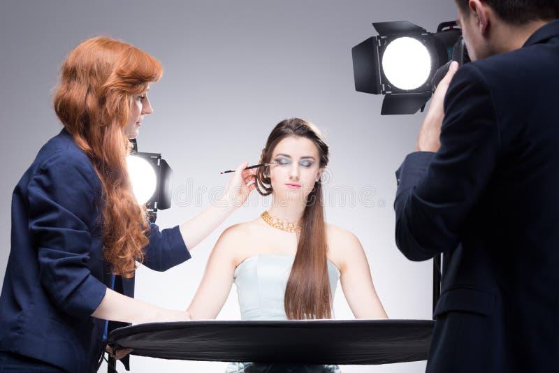 Bedöva resultat av makeupkonstnärs arbete arkivfoto