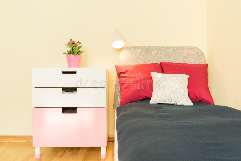 Bed en plank royalty-vrije stock fotografie
