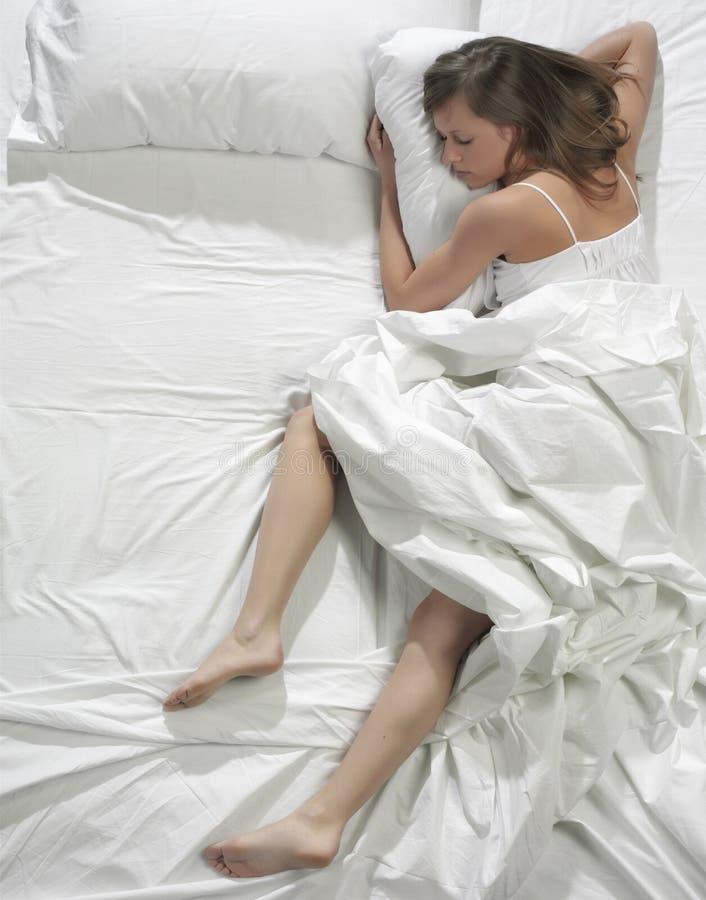 bed sleeping woman στοκ φωτογραφίες με δικαίωμα ελεύθερης χρήσης