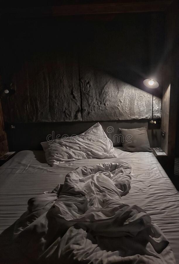 Free Bed Time To Sleep Night Relax Aesthetic Dark Light Stock Photography - 182762552