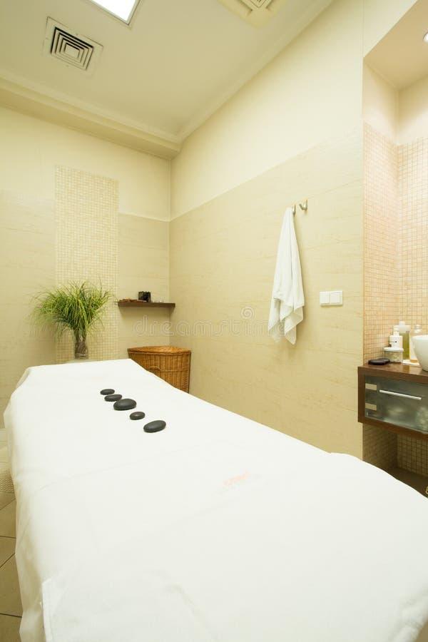 Bed voor massage stock fotografie