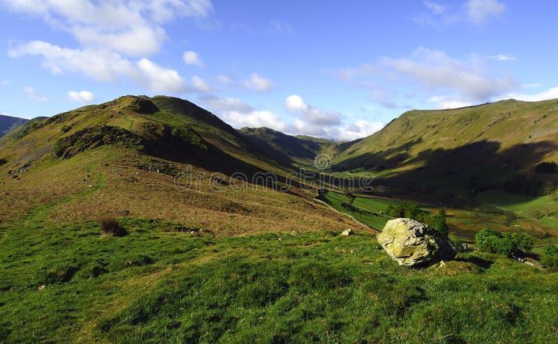 Download Beda从冬天Cragg下跌 库存照片. 图片 包括有 石头, 牧场地, 英国, 地区, 碎片, 安排, 公园 - 72369272