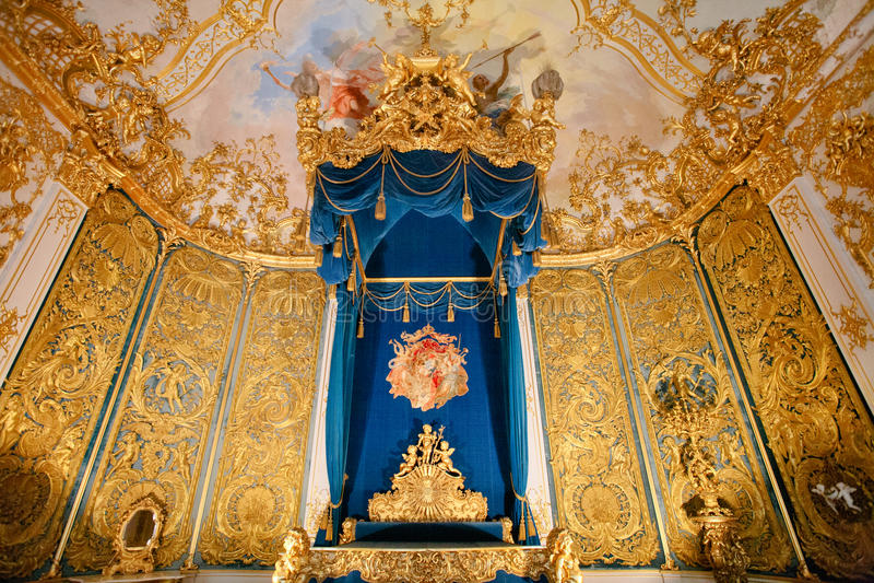 Bedchamber дворца Linderhof стоковое изображение