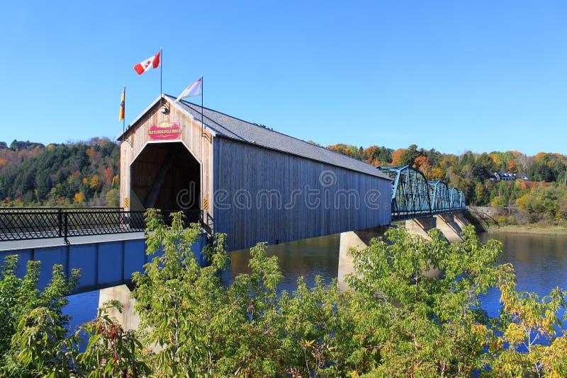 Bedeckte Holzbrücke in Florenceville, New-Brunswick lizenzfreie stockbilder