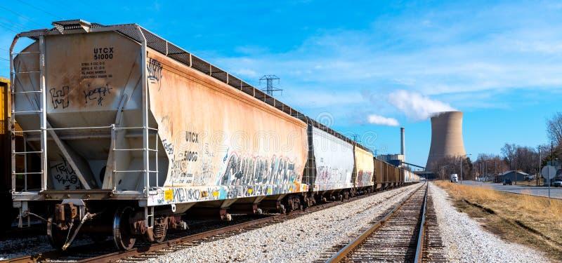 Bedeckte Trichter liefern Materialien bei Nord-Indiana Public Service Company stockfotografie