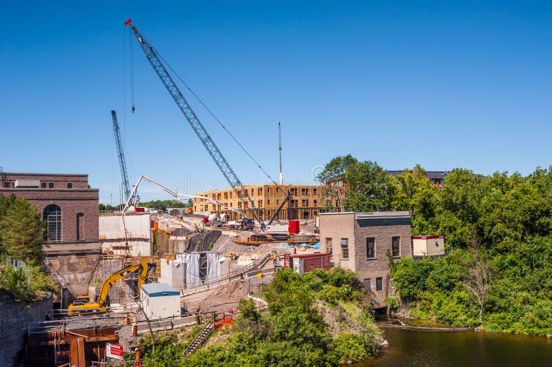 Bedeutender Bau an der Wasserkraftstation in Campbellford, Ontario, Kanada lizenzfreie stockfotos