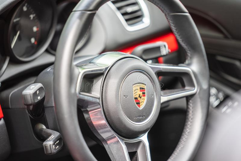 Bedford, Bedfordshire, Großbritannien zersplittern am 2. Juni 2019 von Porsche Cayman S lizenzfreie stockfotos