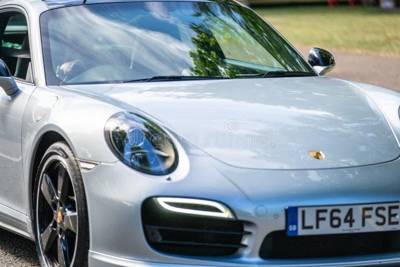 Bedford, Bedfordshire, Reino Unido fragmento do 2 de junho de 2019 de Porsche Carrera cinzento S imagem de stock