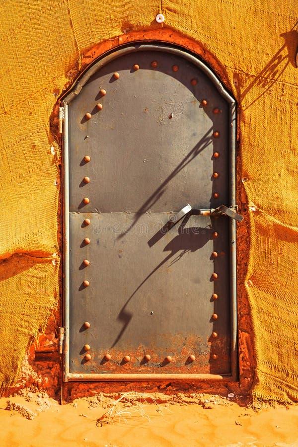 Bedouin Berber-de deurdetail van de nomadetent in de woestijn Marokko stock foto