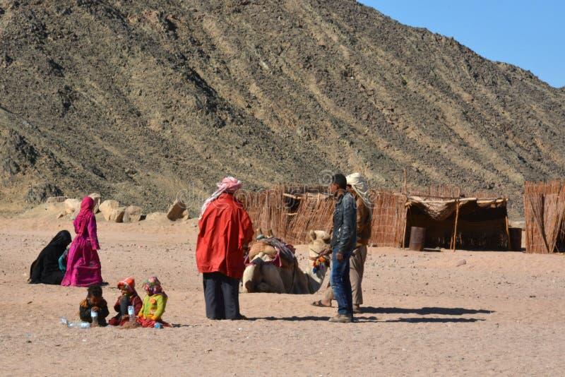 Bedouins in de woestijn, Hurghada, Egypte stock afbeeldingen