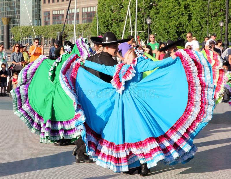 Bedrijf van de Dans van Calpulli het Mexicaanse royalty-vrije stock foto's