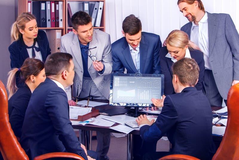 Bedrijfs eenvoudig besluit van team van beroeps stock fotografie