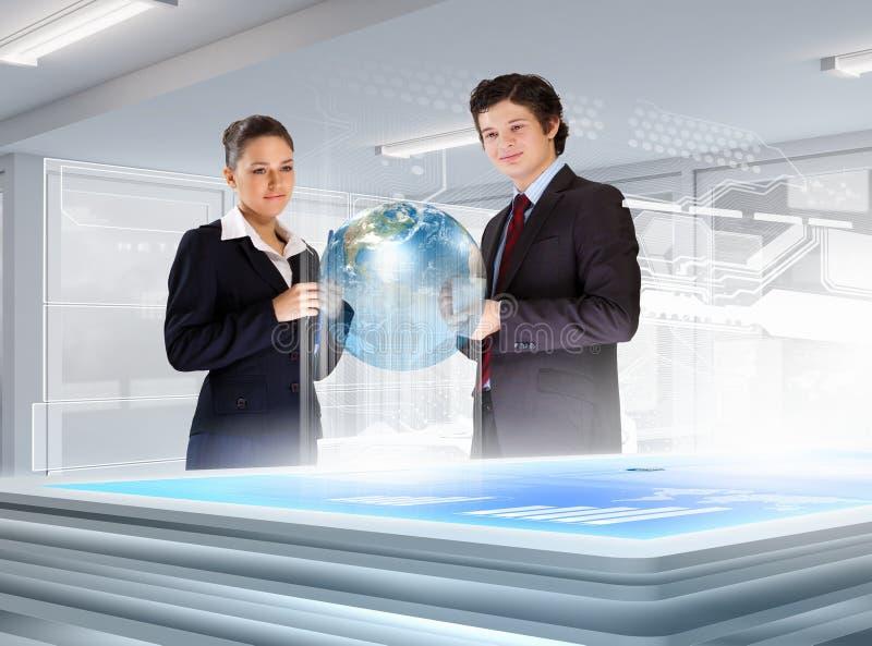 Download Bedrijfs En Communicatie Innovaties Stock Afbeelding - Afbeelding bestaande uit mensen, businesswoman: 29511323