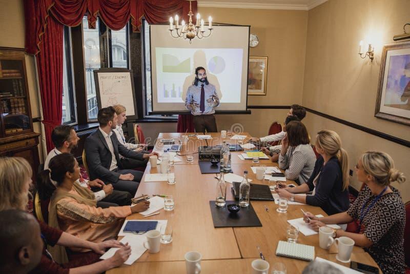 Bedrijfs en Financiënpresentatie op een Conferentie royalty-vrije stock foto