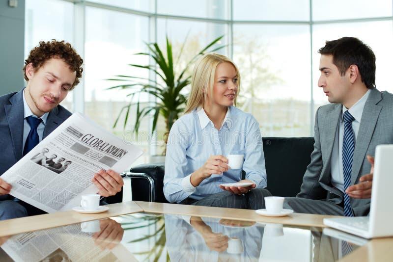Download Bedrijfs gesprek stock foto. Afbeelding bestaande uit kaukasisch - 29514176