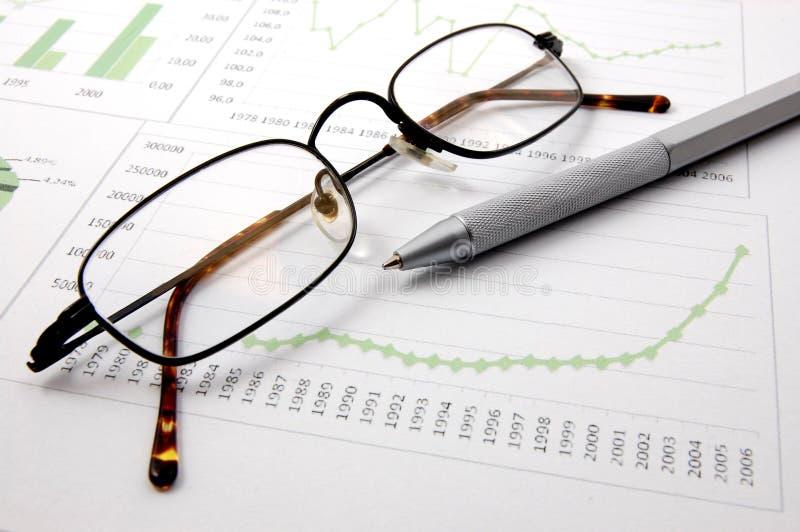 Bedrijfs grafiek die succes toont royalty-vrije stock afbeeldingen