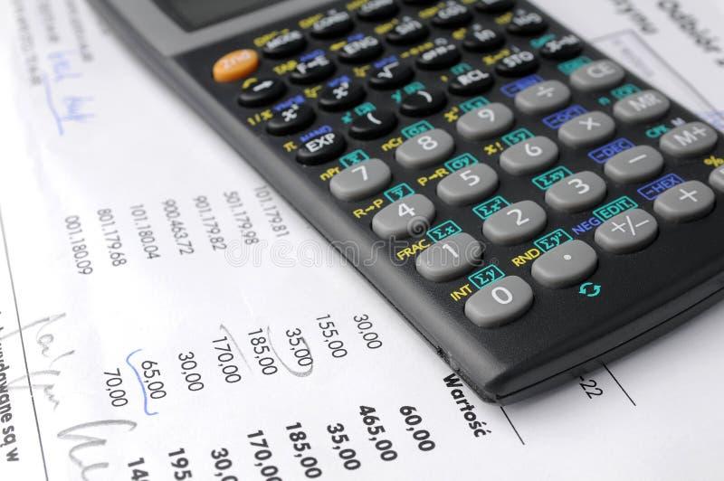 Bedrijfs grafieken en calculator royalty-vrije stock foto's
