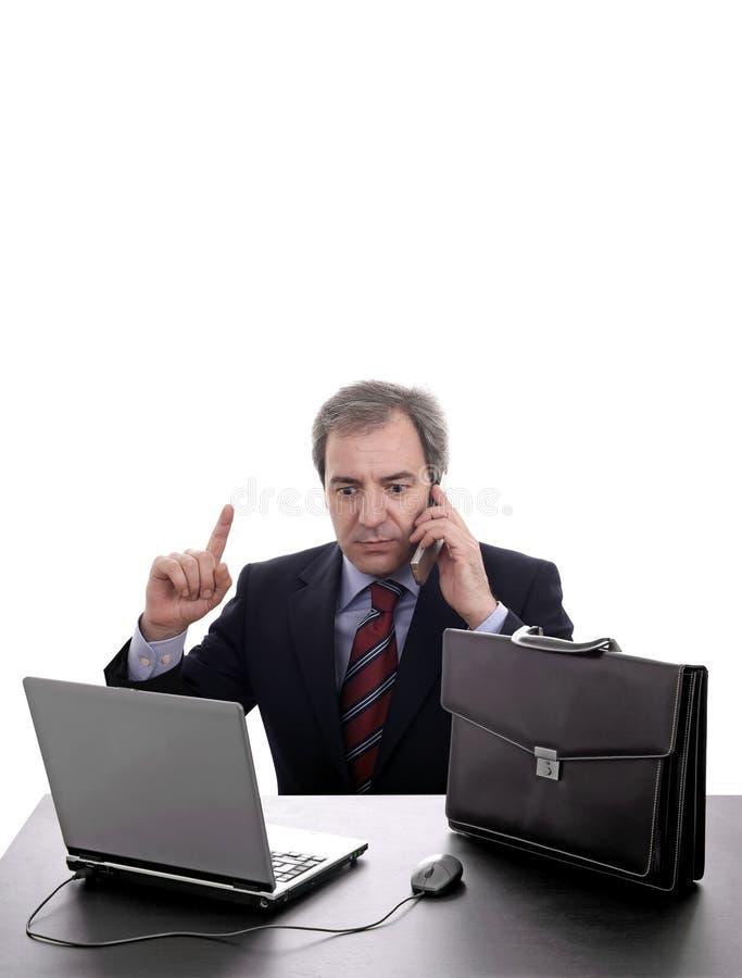 Bedrijfs mens op de telefoon stock afbeelding