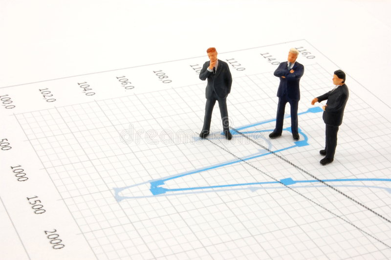 Bedrijfs mensen op grafiekachtergrond stock afbeeldingen