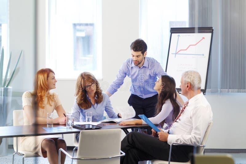 Bedrijfs mensen op vergadering stock foto's
