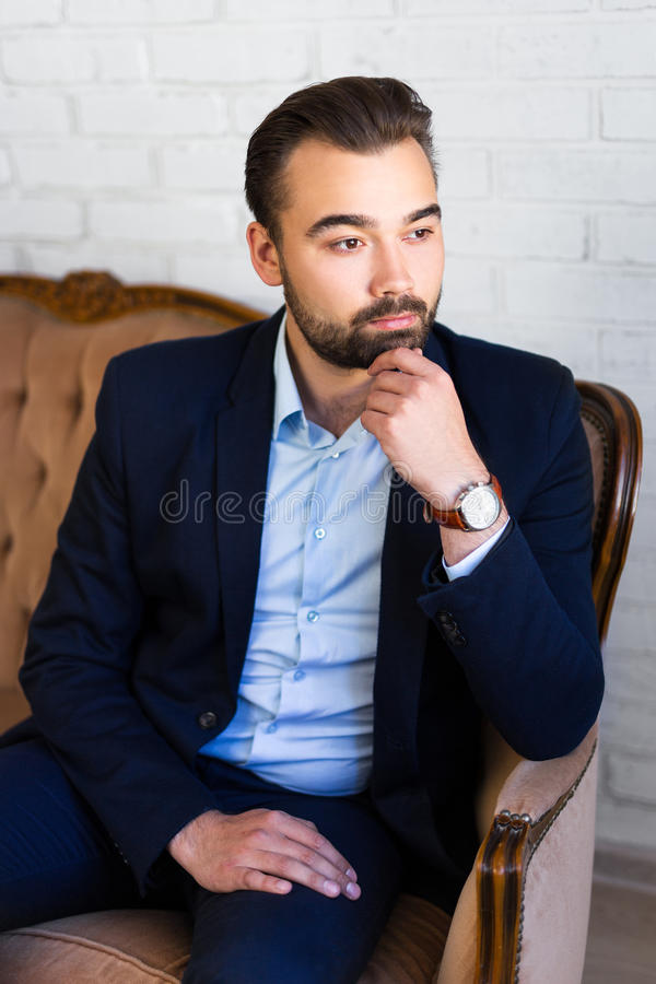 Bedrijfs, rijkdom en succesconcept - portret van knappe ma stock foto's