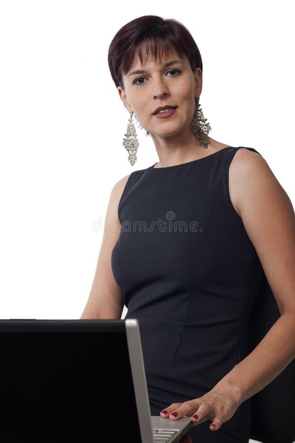 Download Bedrijfs vrouw en laptop stock afbeelding. Afbeelding bestaande uit voorzijde - 27716613