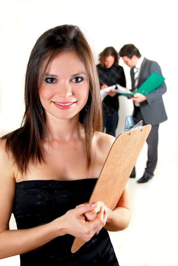 Bedrijfs vrouw met klembord royalty-vrije stock afbeelding