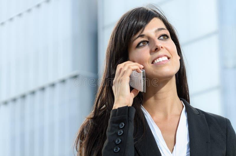 Bedrijfs vrouw met telefoon stock fotografie