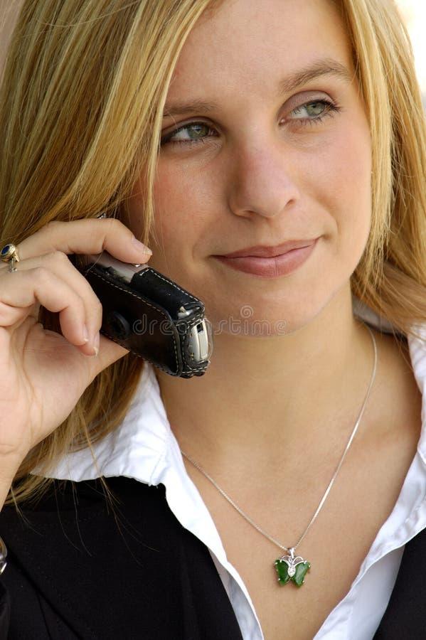 Bedrijfs Vrouw op een Telefoon van de Cel stock afbeeldingen