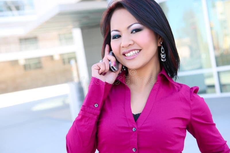 Bedrijfs Vrouw op Telefoon stock afbeeldingen