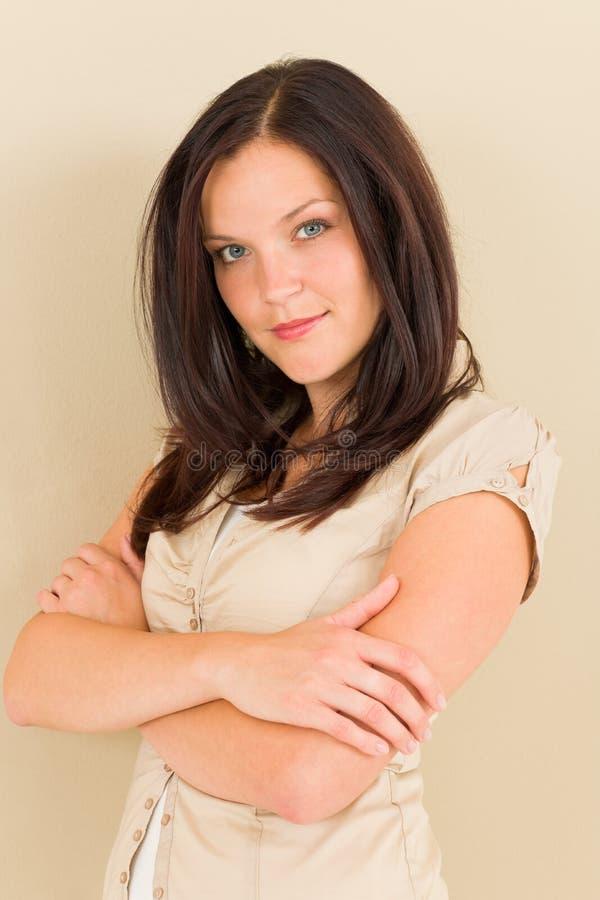Bedrijfs vrouwen aantrekkelijk toevallig portret stock afbeelding
