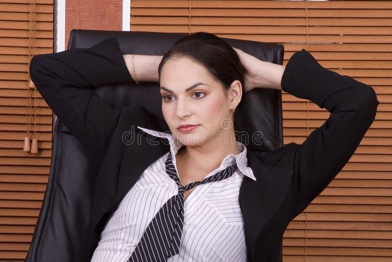 Bedrijfs vrouwenhelling stock foto's