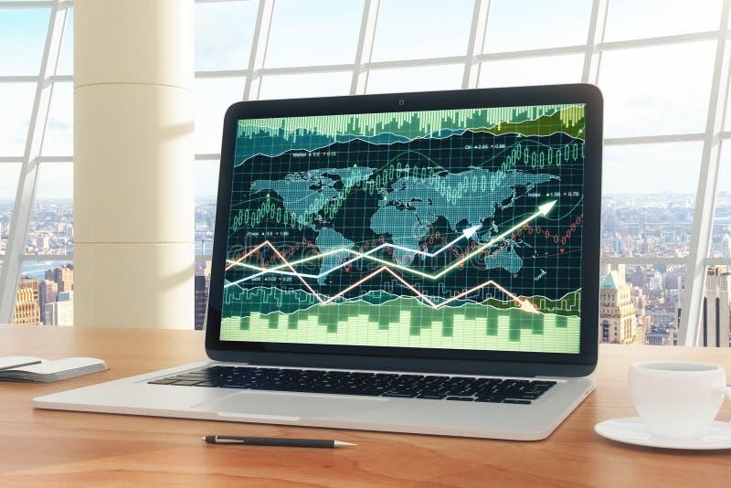 Bedrijfsgrafiek met gloeiende pijlen op laptop het scherm op houten Ta stock foto