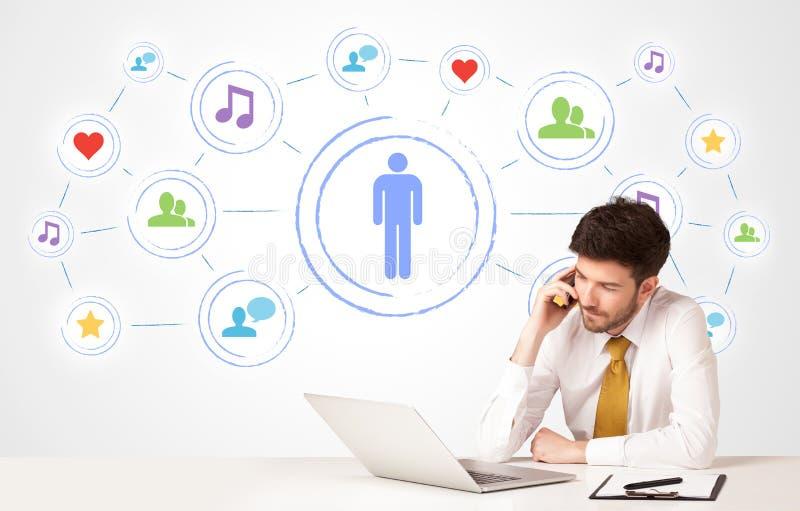 Download Bedrijfsmens Met Sociale Media Verbindingsachtergrond Stock Foto - Afbeelding bestaande uit marketing, inkomen: 54088376