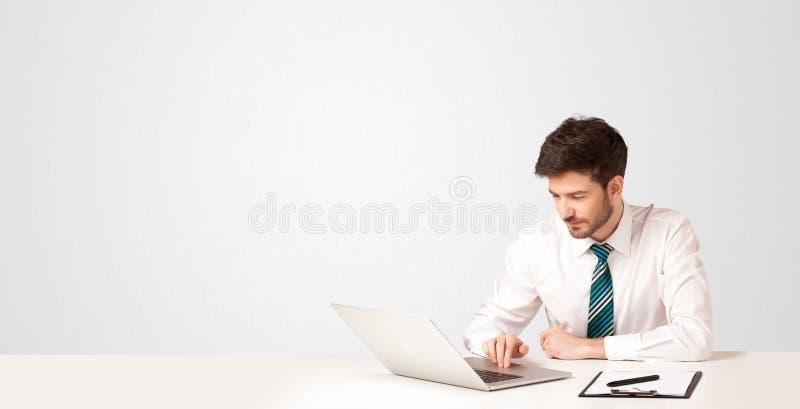 Bedrijfsmens met witte achtergrond royalty-vrije stock foto's